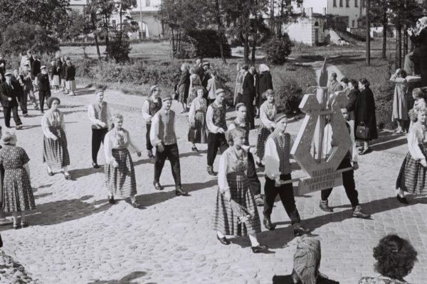1956-015