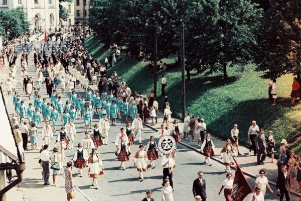 1967-010